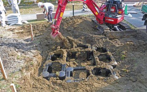 セル内へ土壌充填